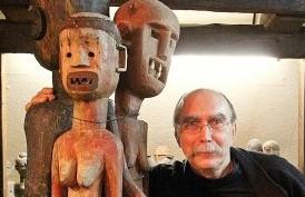 Kunstlehrer Michael Stöhr, Organisator der Ausstellung 'Die Frau' im Haus der Kulturen Diedorf, Oktober 2014
